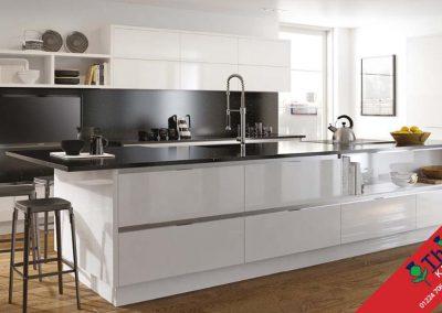 British Kitchens Aberdeen, Aberdeenshire: Sheraton Kitchens Mattonella Gloss White