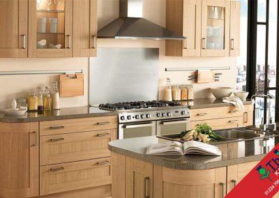 British Kitchens Aberdeen, Aberdeenshire: Sheraton Kitchens Natural Oak Shaker