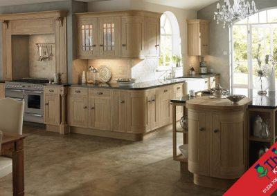 British Kitchens Aberdeen, Aberdeenshire: Sheraton Kitchens Wood Framed Lissa Oak