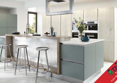 British Kitchens Aberdeen, Aberdeenshire: Sheraton Kitchens Woodgrain Helmock Barrique