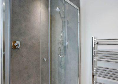 Cranfield 6-Bedroom Farmhouse Conversion: Bedroom 2 En-Suite