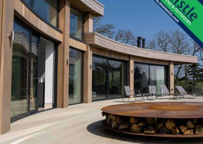Enhanced Grain Composite Decking in Limed Oak
