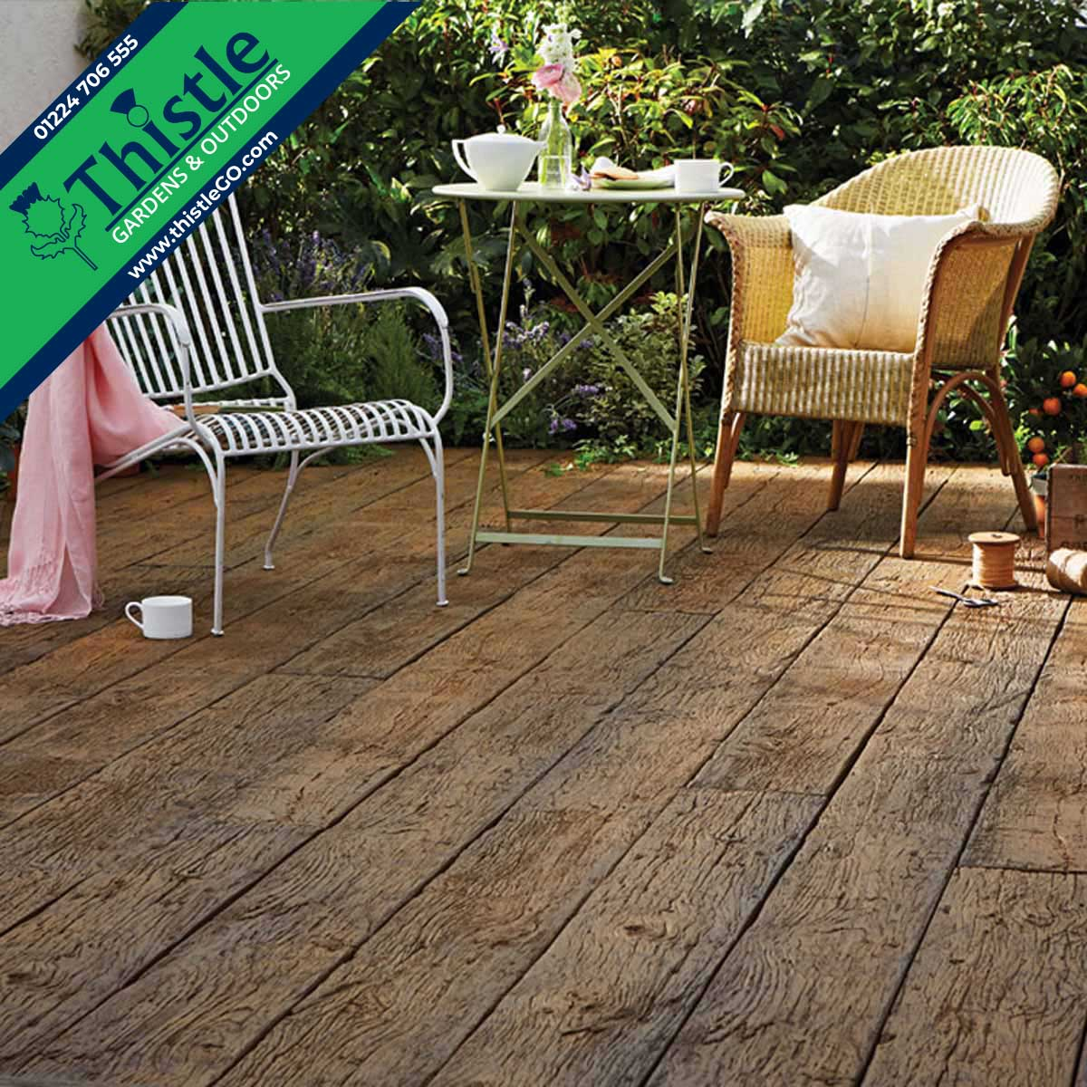 Weathered Oak Composite Decking in Vintage Oak
