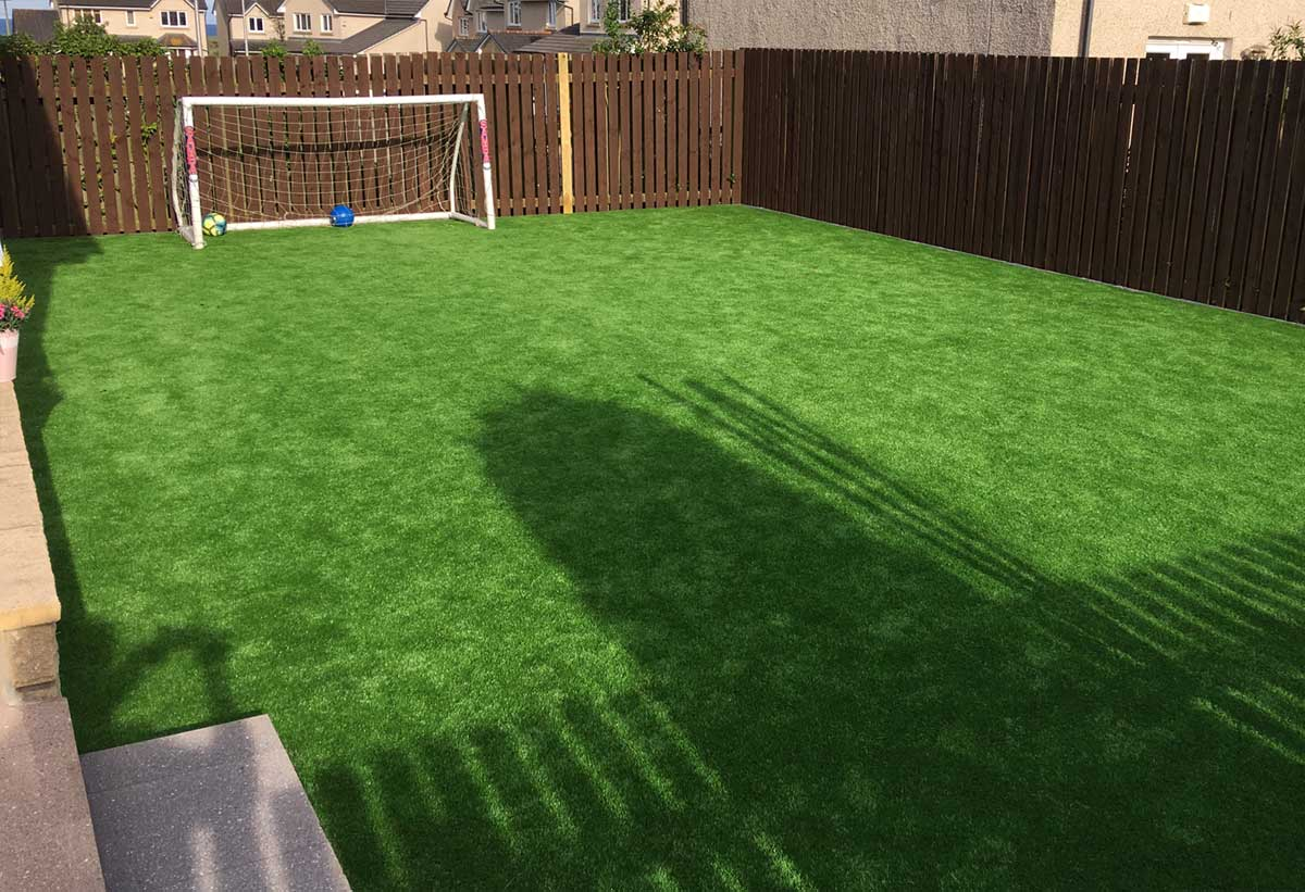 Thistle Artificial Grass Aberdeen, Aberdeenshire & North East Scotland: Durable & Strong