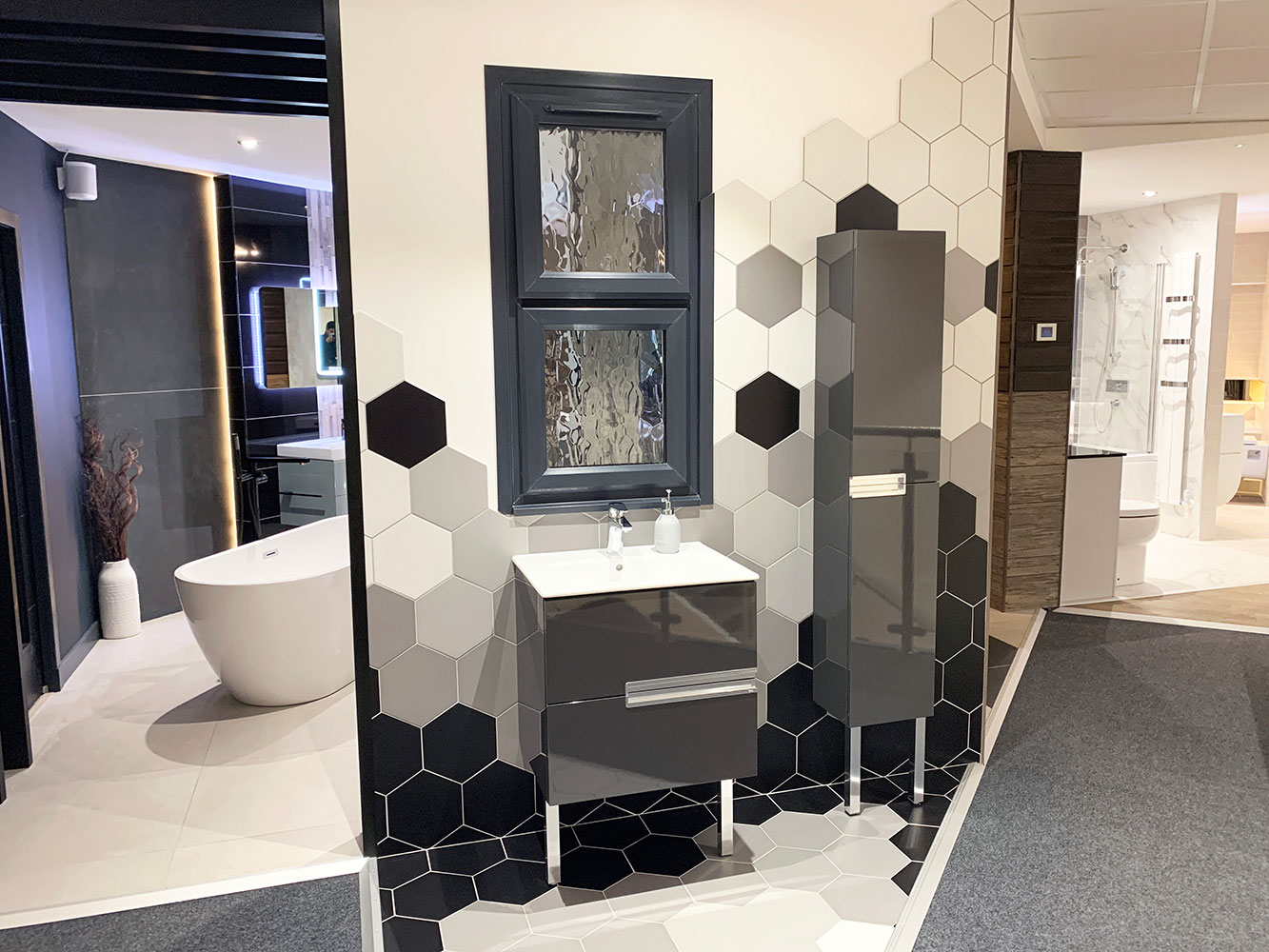Thistle Bathroom Showroom Aberdeen: Bathroom Gallery 2, Photo 1