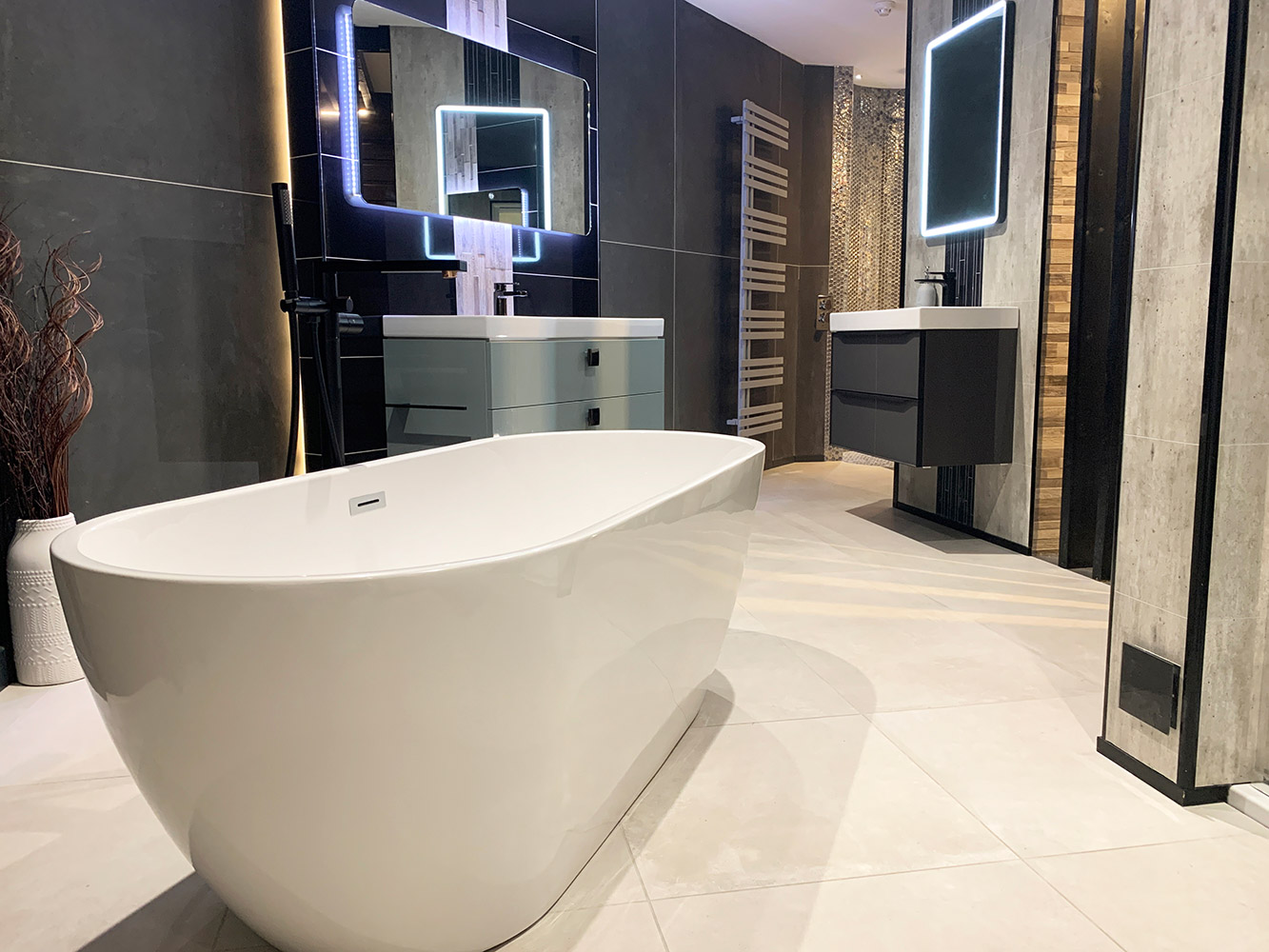 Bathroom Showroom Aberdeen: Bathroom Gallery 7, Photo 6