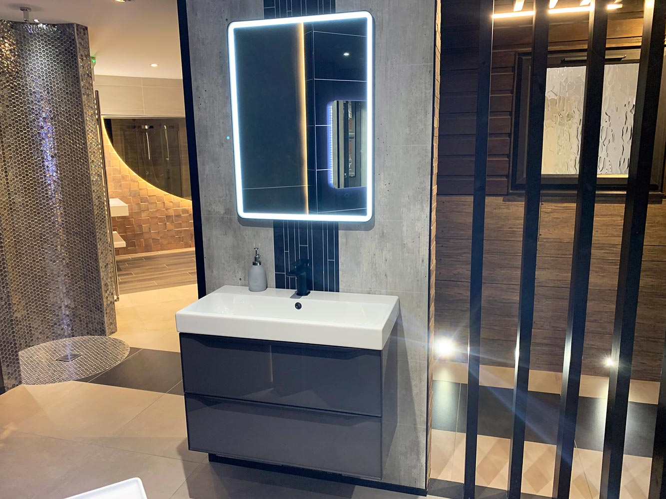 Bathroom Showroom Aberdeen: Bathroom Gallery 7, Photo 9