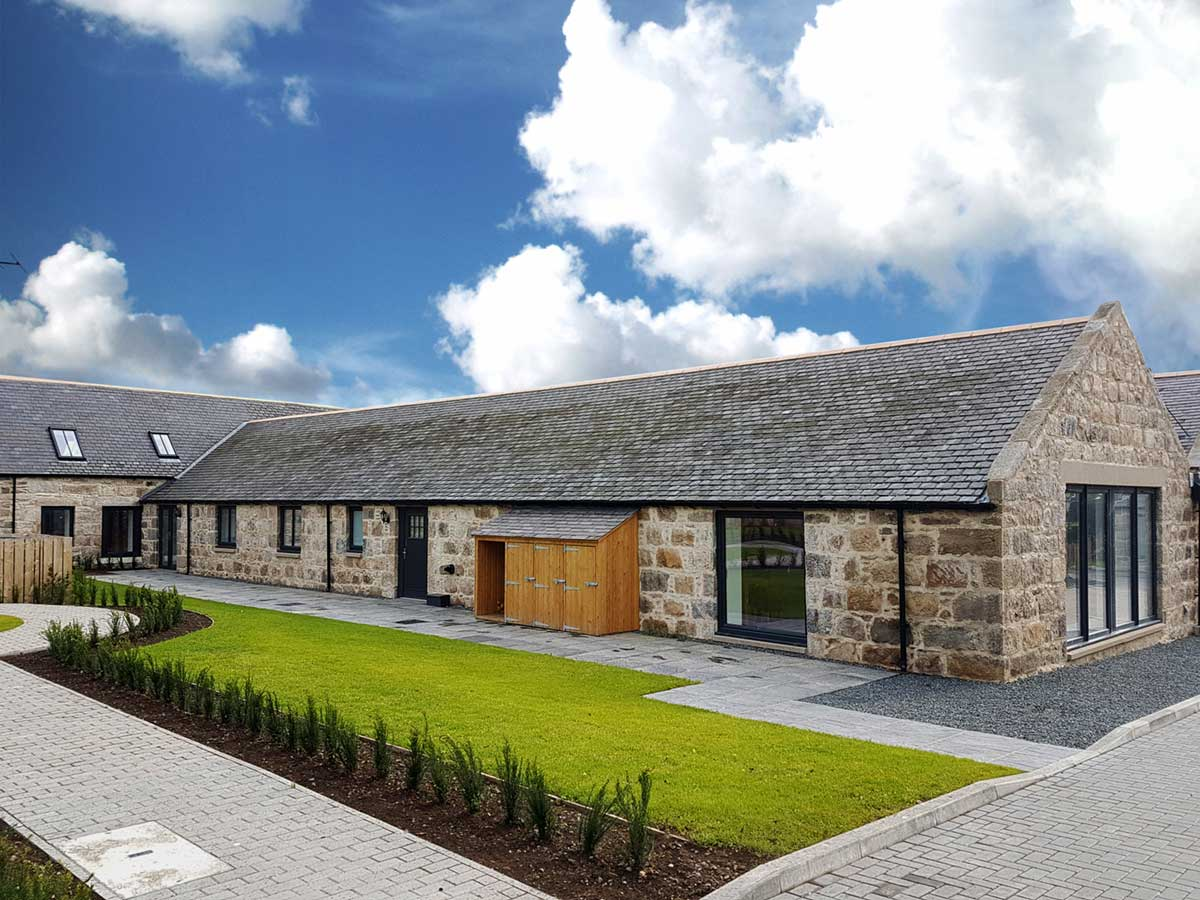 Cranfield by Thistle Homes: Interior Shared Courtyard